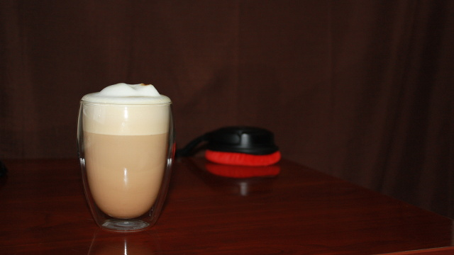 A latte in a double walled Bodum glass
