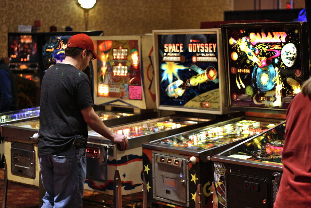 Brian at the Texas Pinball Festival